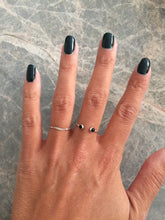 Load image into Gallery viewer, Ringen - Open double onyx - Silver