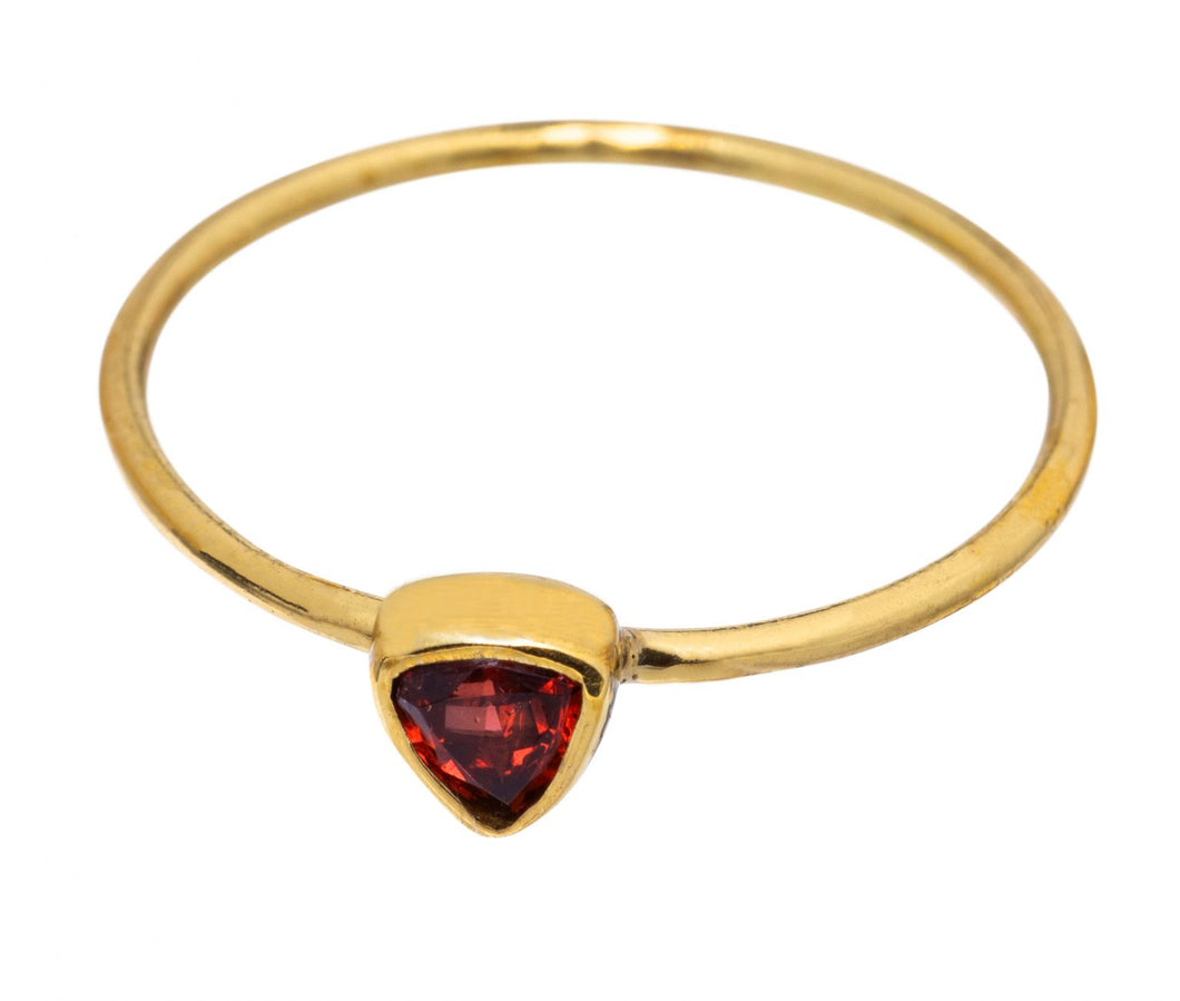 Ring - Garnet triangle - Brass