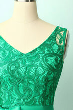 Load image into Gallery viewer, Green Lace Bridesmaid