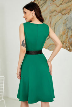 V Neck Green Belted 1950s Dress