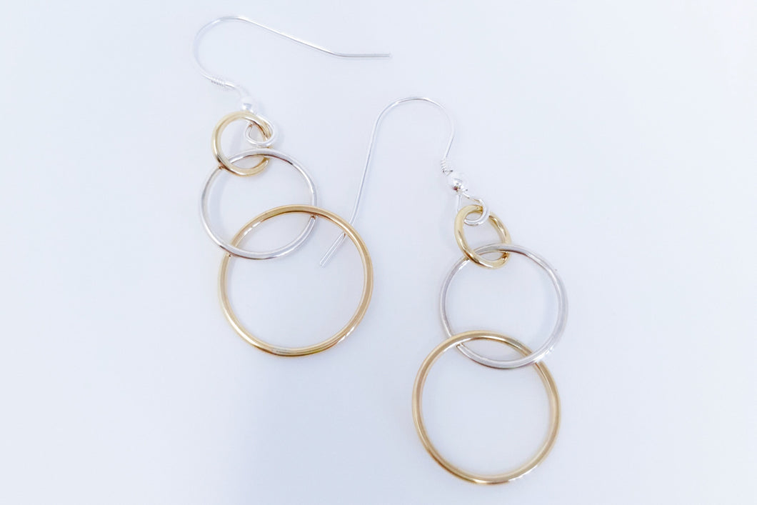 Interlocking Circle Drop Earrings