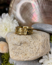 Load image into Gallery viewer, Children of Lir Ring 18ct Gold