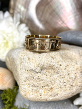 Load image into Gallery viewer, Gents Gold Ring of Ireland