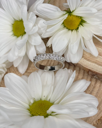 18k Triple Row of Round Diamonds White Gold Band