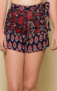 INFINITE NIGHTS BELTED SHORTS - 86active.com