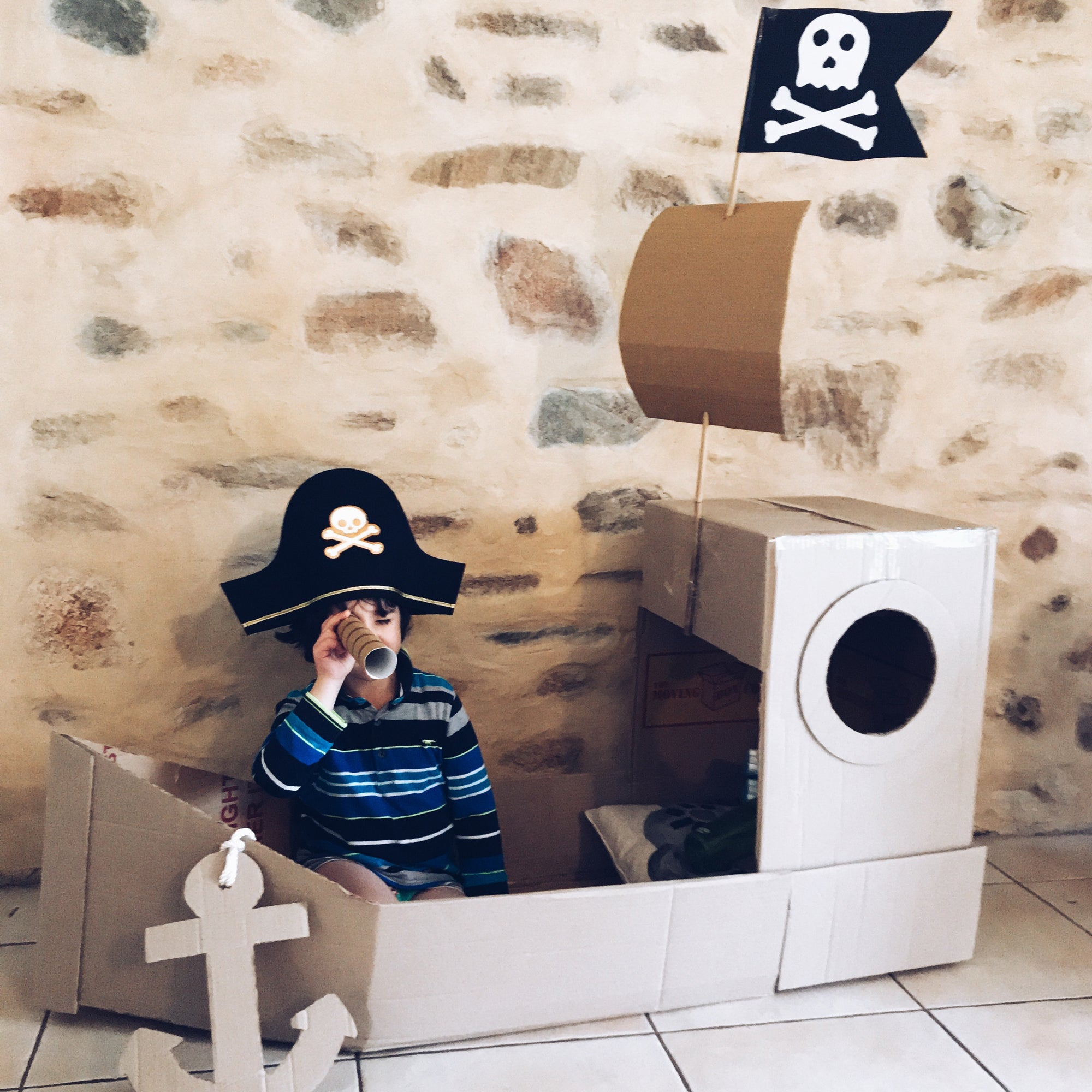 PIRATE SHIP - Mini Mad Things - weekly theme ideas for summer camp at home