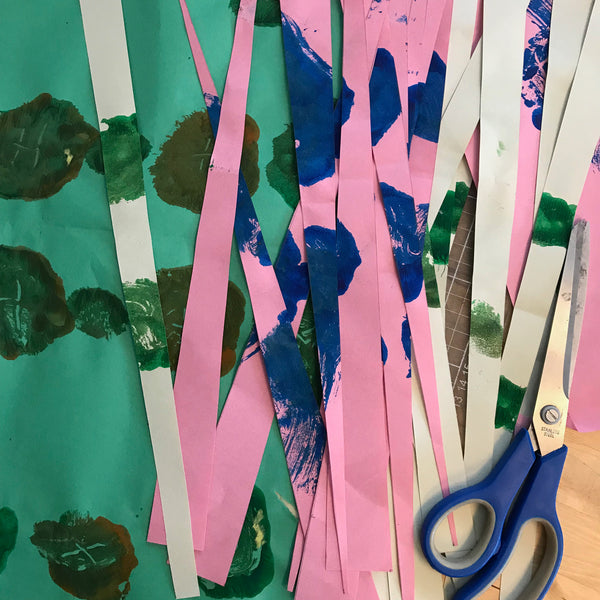 long paper strips to make paper beads
