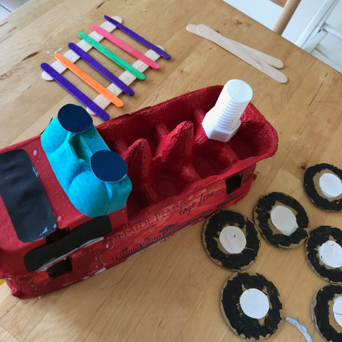 egg carton fire truck kids crafts by Mini Mad Things