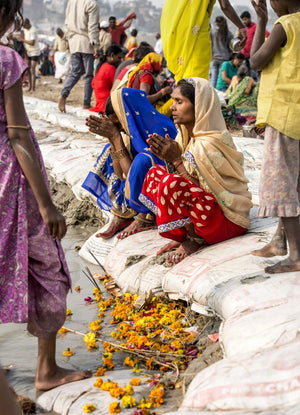 Holy time on the banks of the Ganges
