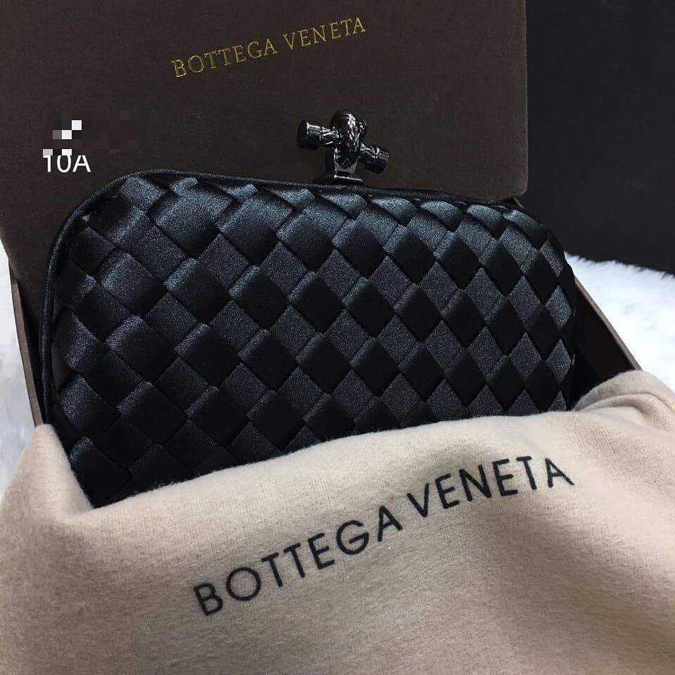 First Copy Bottega Veneta Black Colour Clutch