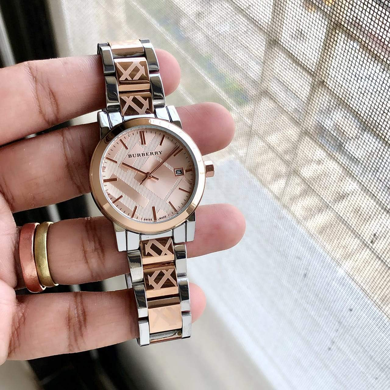 First Copy Burberry Watches For Women Online | Replica Watch India