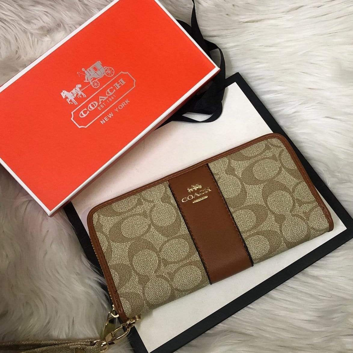 First Copy Coach Latest Edition Tan Colour Wallet