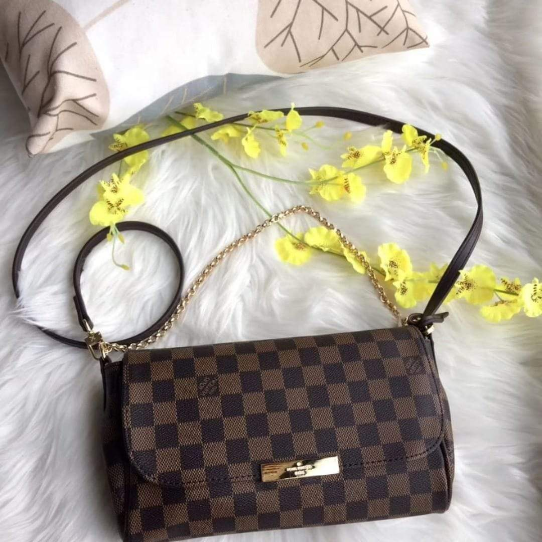 Louis Vuitton(LV) Check Sling Bag First Copy