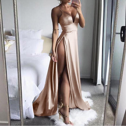 champagne color long split elegant evening dress. Vestido largo elegante para mujer.