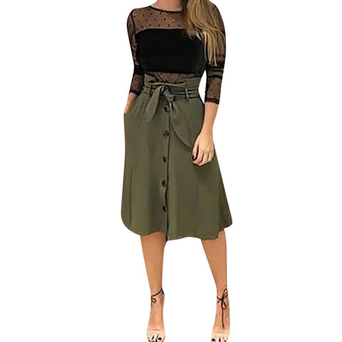 green women's knee-length skirt. Falda verde hasta la rodilla