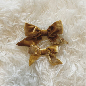 Velvet Rope Hairbow (big bow style)