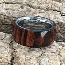 Load image into Gallery viewer, Natural Cocobolo Wooden Ring sz9 1/2