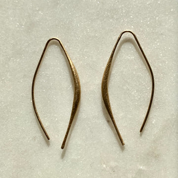 Curved Bar Earrings Gold