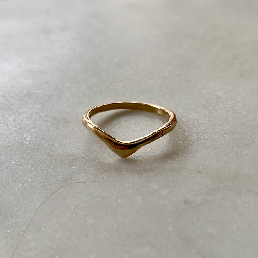 Rounded V-shape Ring