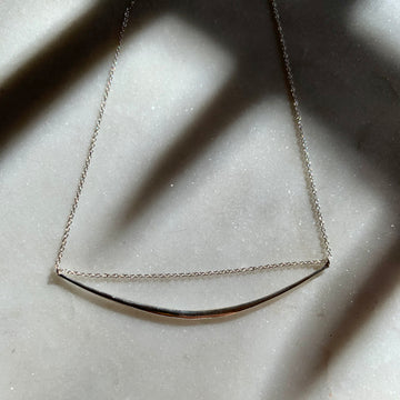 Chain Through Curved Bar Necklace