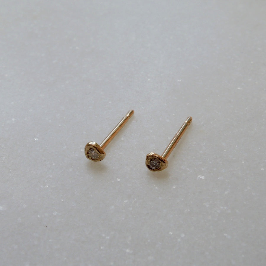 Single Tiny Diamond Stud Earring