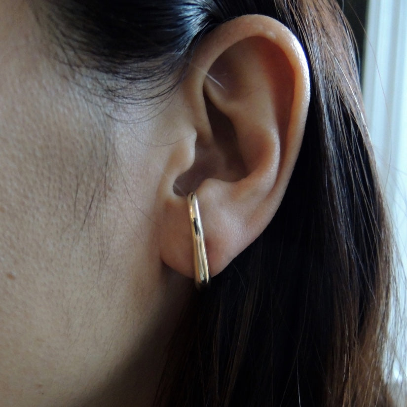 Single Vero Hook Earring
