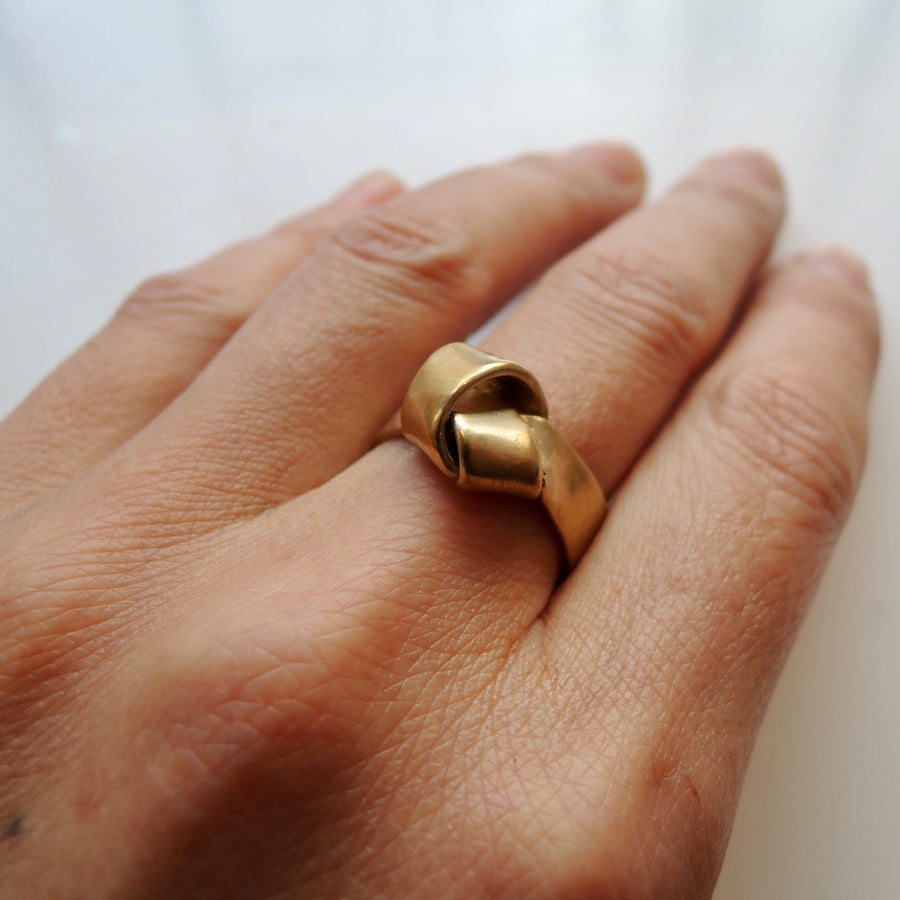 Wide Knot Ring