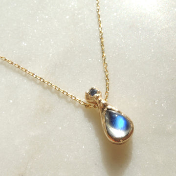 Starly Night Moonstone Necklace