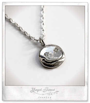 Happy Face Necklace / Silver