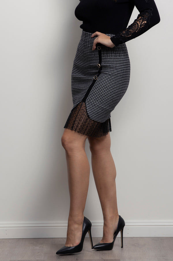 Avery Skirt- Houndstooth.