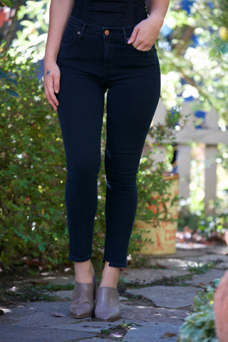 AG Jeans The Velvet Corduroy Legging in Climbing Ivy