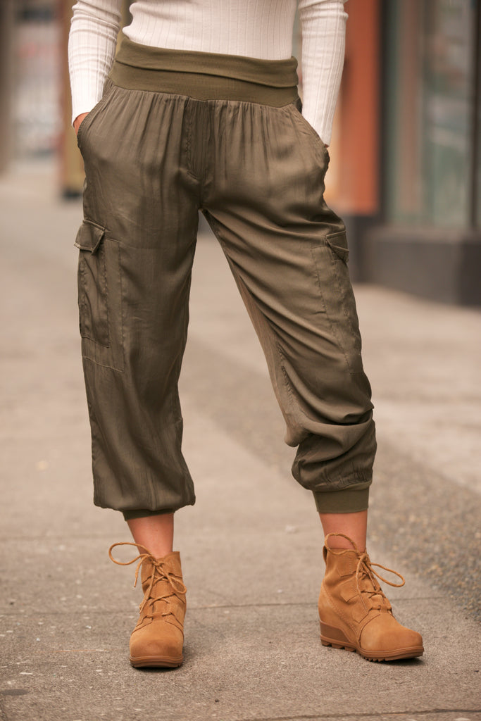 HOLIDAY Cargo Pocket Joggers