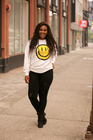 HOLIDAY Daisy Smiley Face Graphic Tee