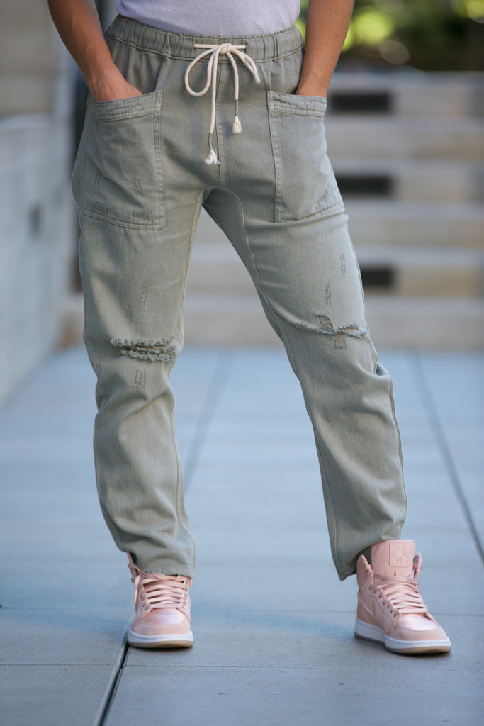 HOLIDAY Distressed Denim Pants Olive