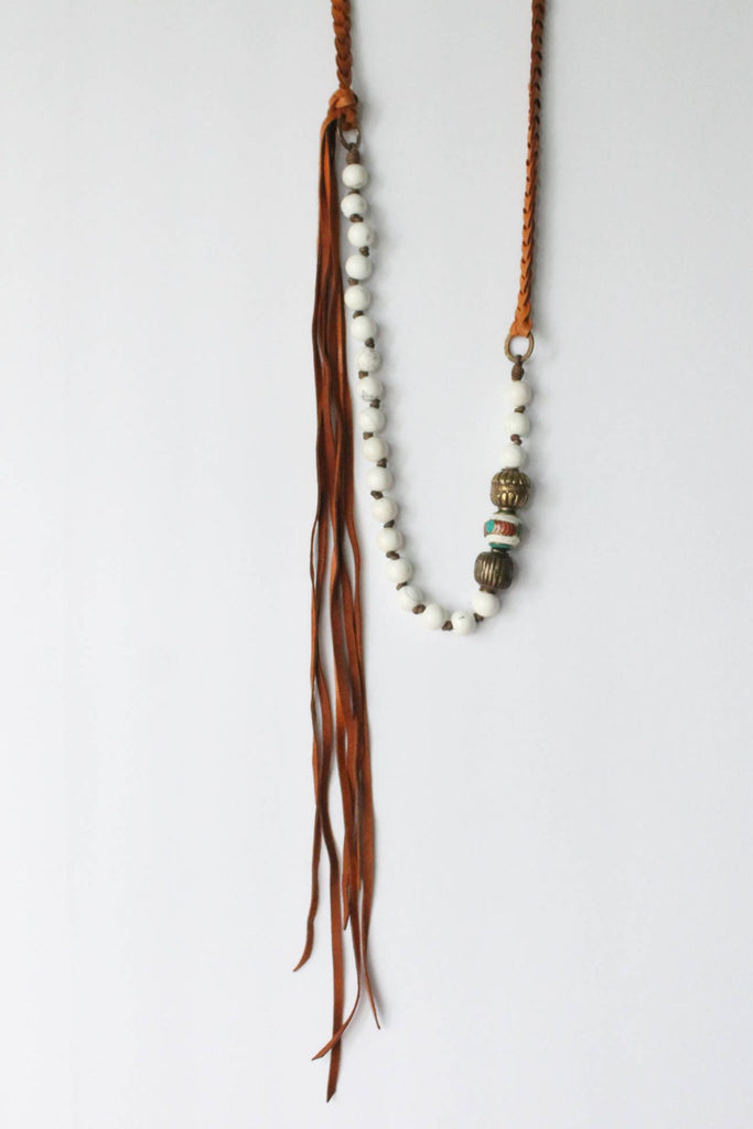 zoWEE  Jewels Howlite Mix White Necklace With Brown Leather Detail