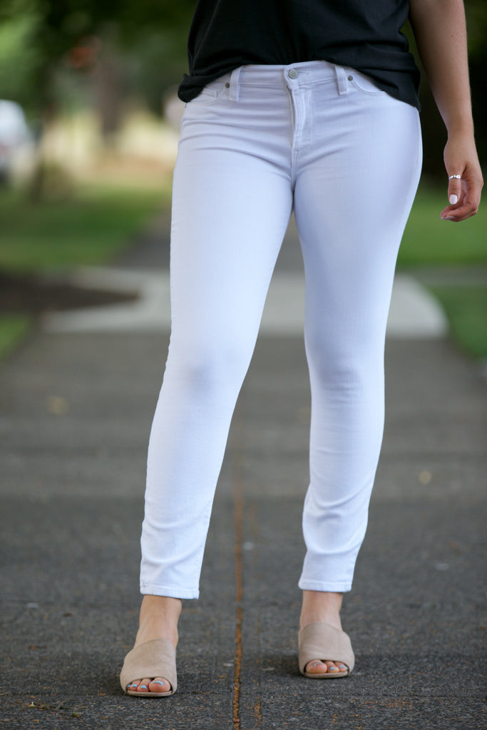 Hudson Tally Midrise Crop Skinny in White