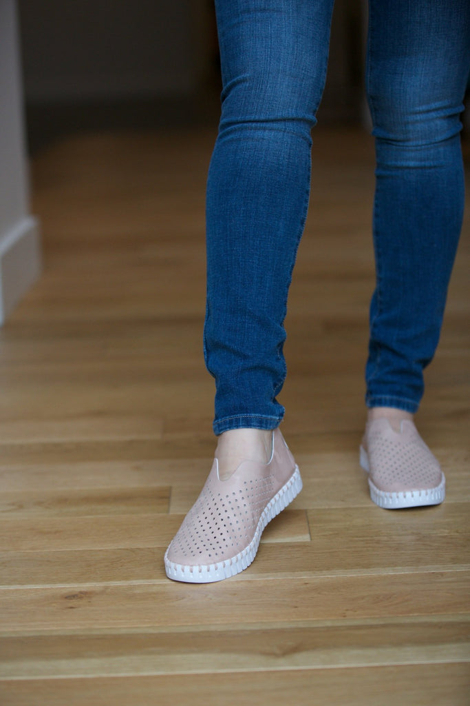 Ilse Jacobsen Shimmer Tulip Slip-On w/White Sole in Adobe Rose