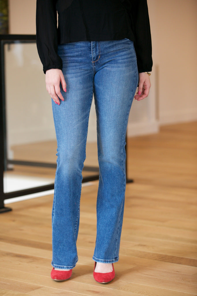 51aa5a44e96 ... JOE'S JEANS The High Rise Honey Boot Cut in Chriselle ...