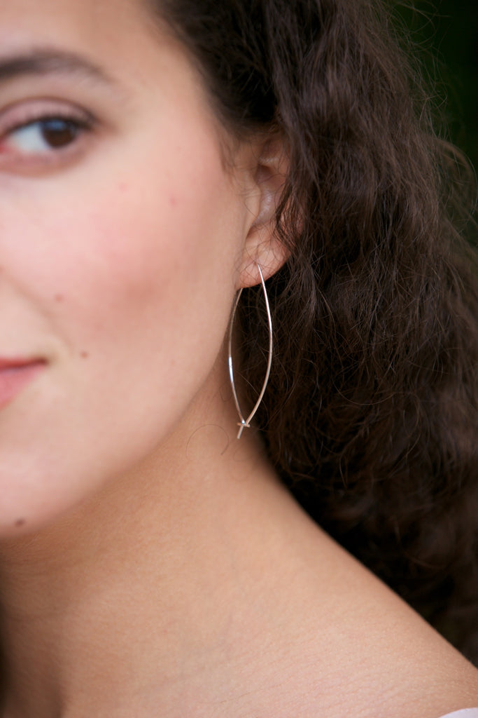 Kenda Kist Closed Wire Hoops Silver