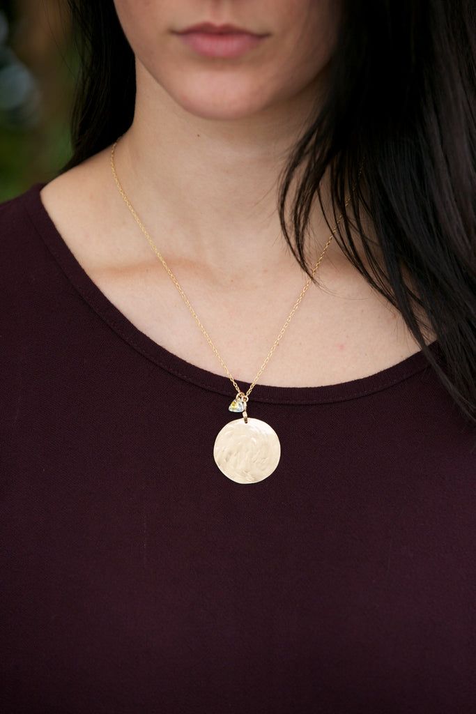 Kenda Kist Medallion Necklace Gold