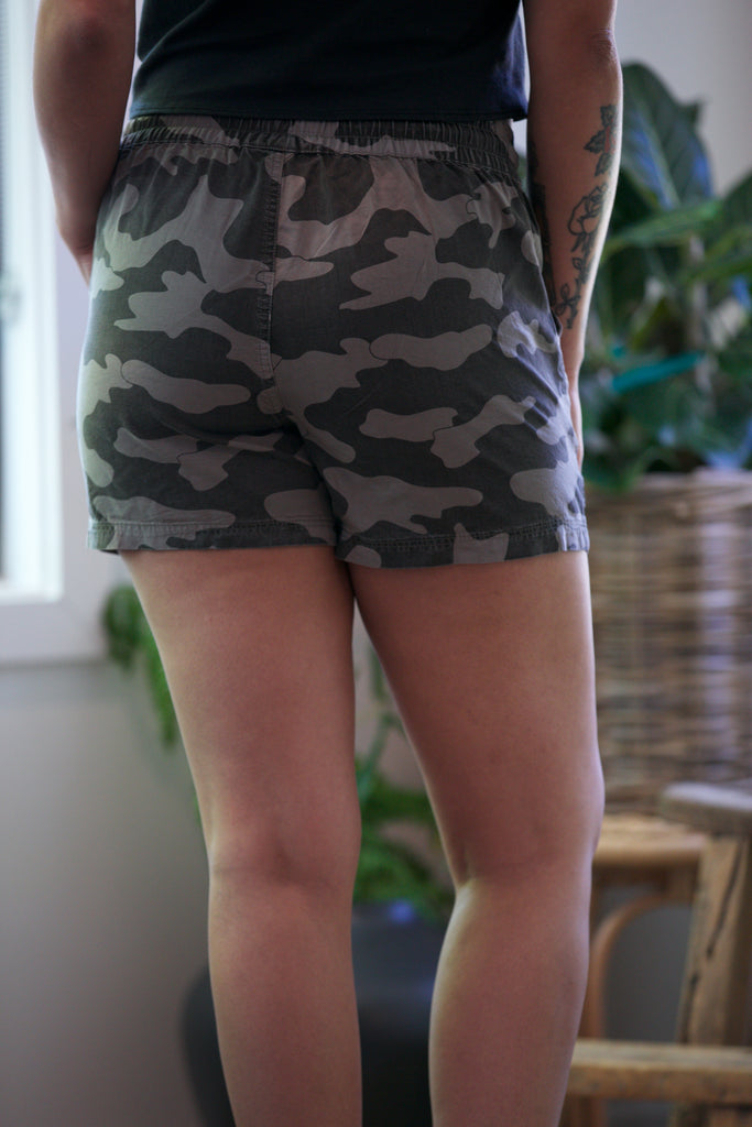Kut from the Kloth Elenora Pull on Shorts