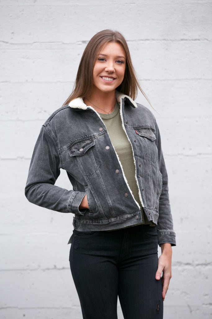 LEVI'S Ex-Boyfriend Sherpa Trucker Jacket Fade to Black