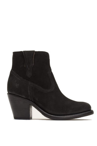 Ilse Jacobsen Tulip Perf Slip-On in Black