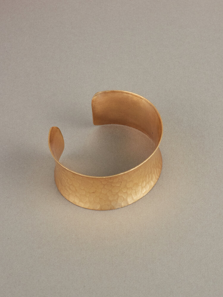 Luscious Mighty Isis Cuff Bracelet Gold