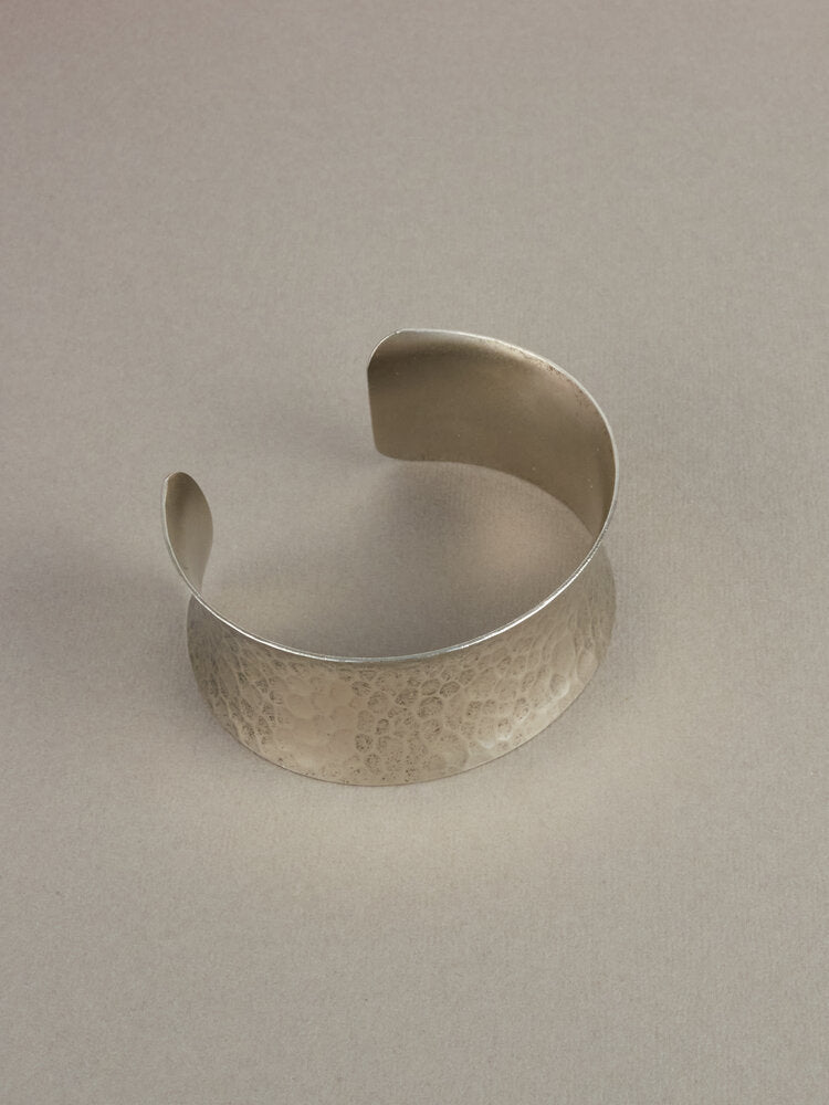 Luscious Mighty Isis Cuff Bracelet Silver