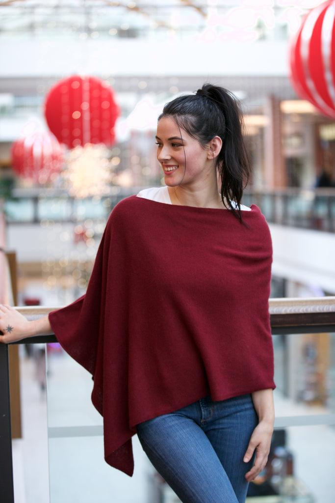 MINNIE ROSE Cashmere Ruana Poncho Crimson