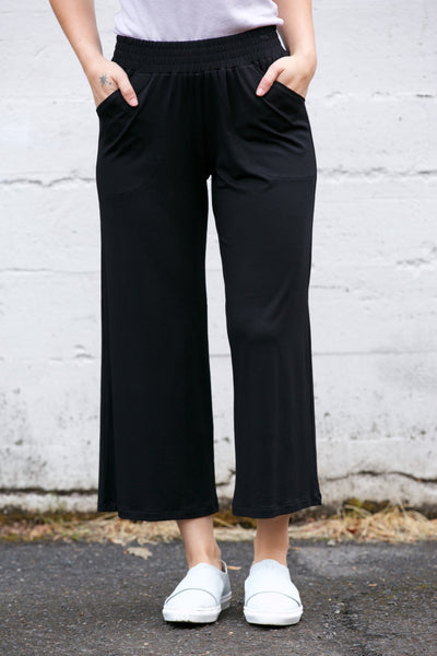 SARAH LILLER SF Aida Cropped Easy Pants in Black