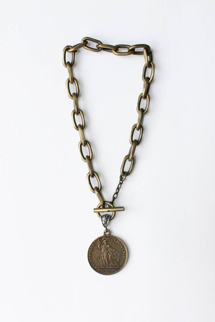 zoWEE Jewels Short Chunky Chain Necklace w/Coin Bronze