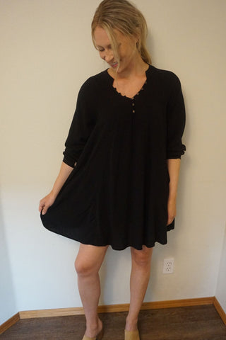 HOLIDAY Flowy Button Down Tunic
