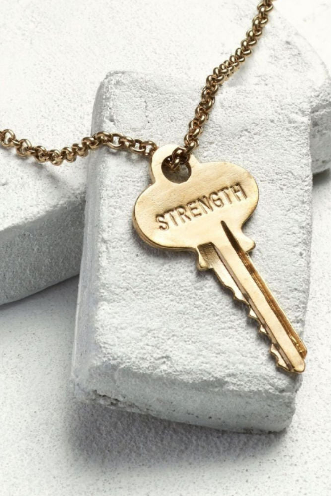 THE GIVING KEYS Classic Key Necklace Strength antique gold